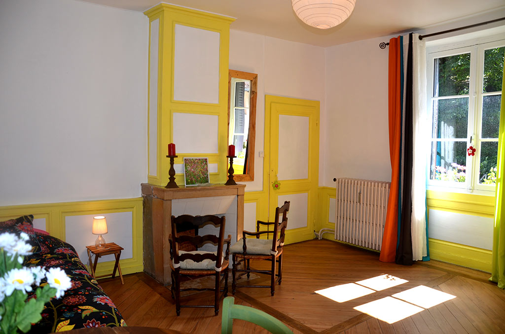 http://location-salins.fr/wp-content/uploads/chambre1-2-location-vacances-salins.jpg