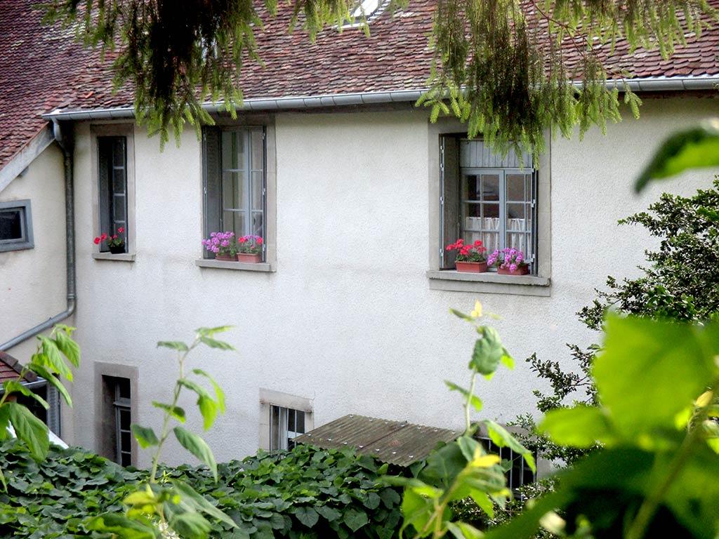 http://location-salins.fr/wp-content/uploads/exterieur-location-vacances-salins.jpg